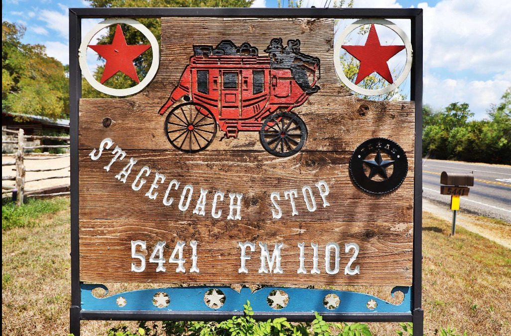 Main sign for Hunter Rd Stagecoach Stop