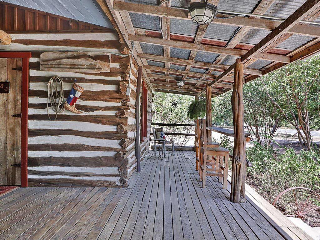 texas-cabin