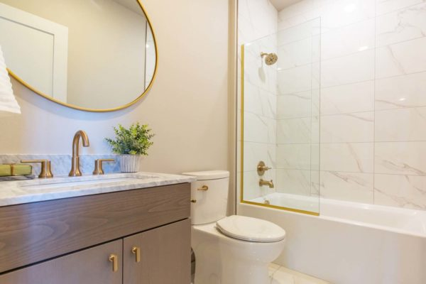 M63 Apartments Bathroom