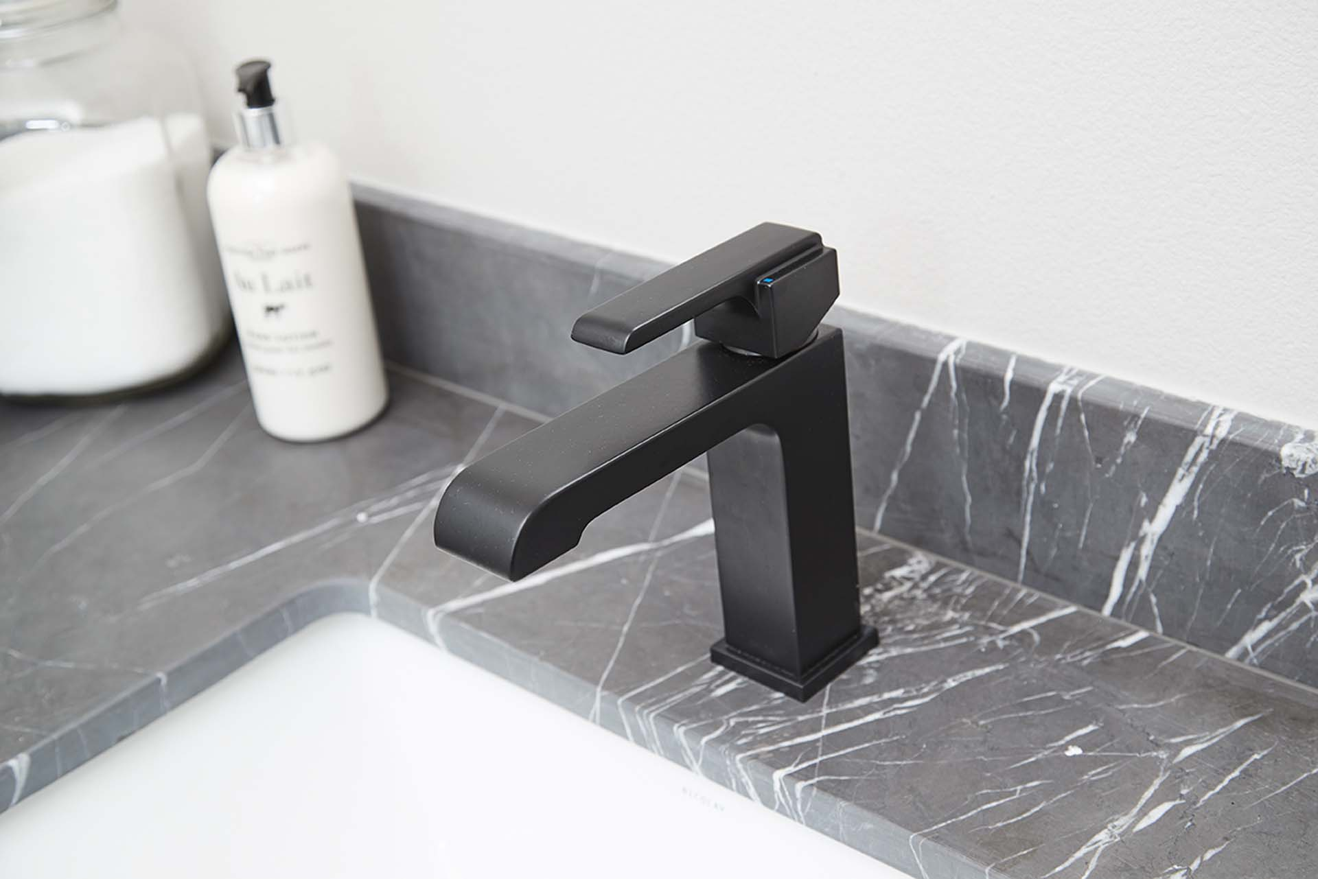 M63 Apartments Bathroom Finishes