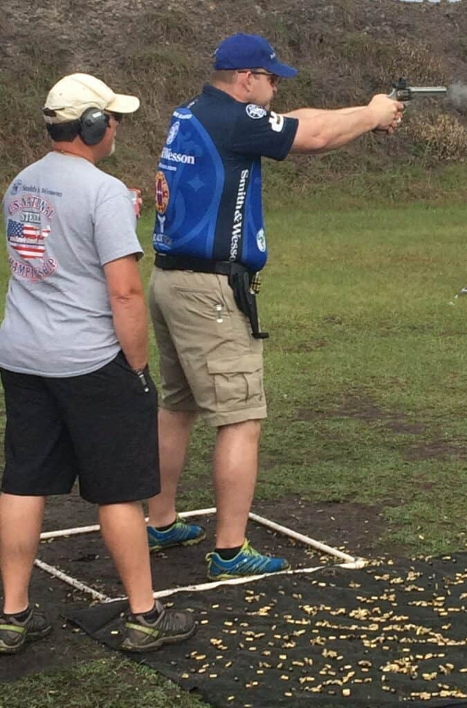 Team Smith and Wesson David Olhasso