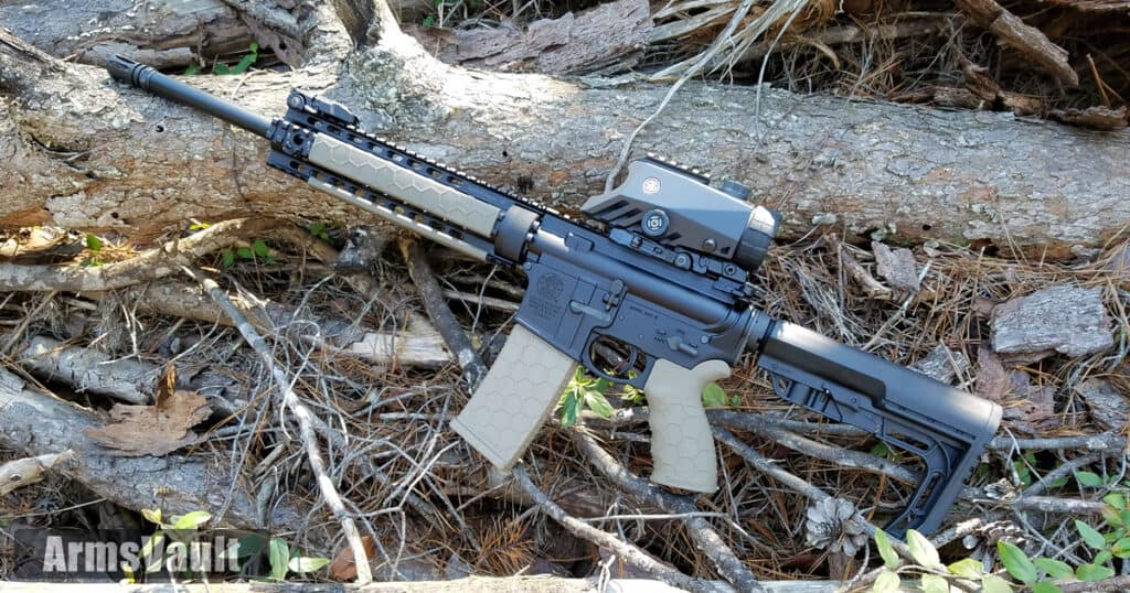 Hexmag Tactical Grip and Low-Profile Rail Covers on Smith and Wesson MP15T