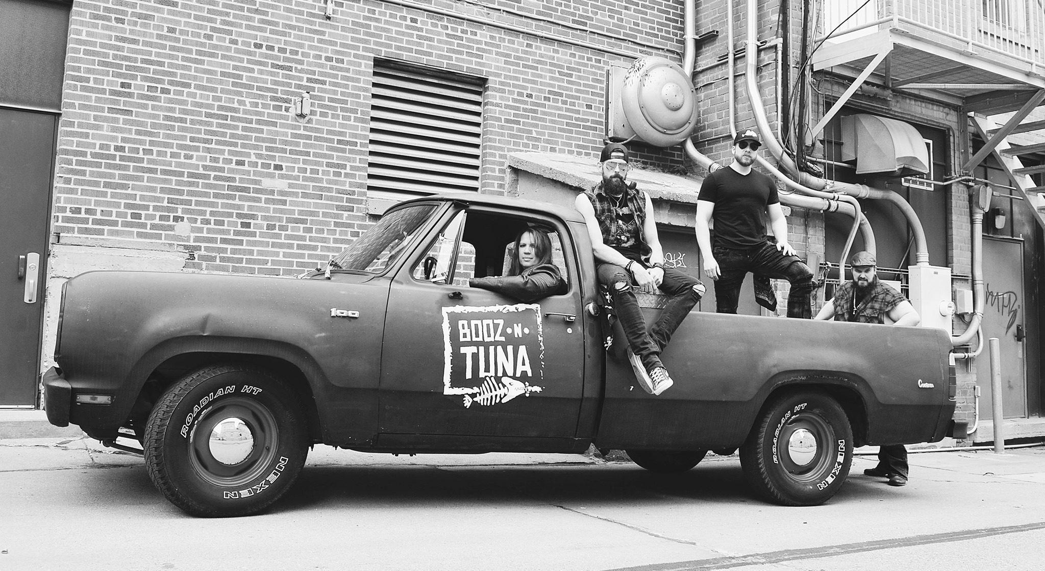 Booz N Tuna Live