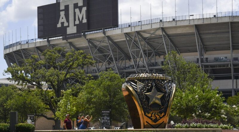 How Texas college football will work during the coronavirus pandemic
