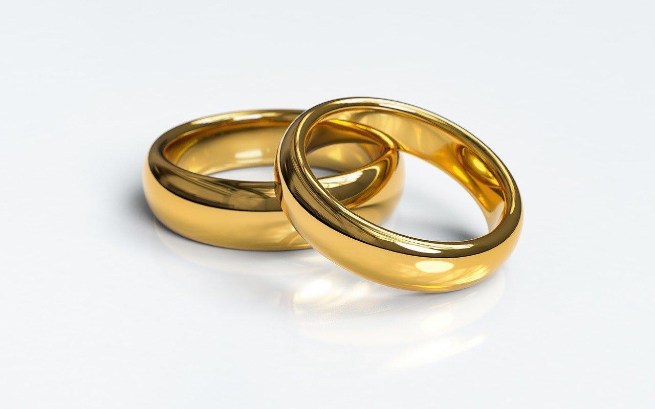 wedding rings, engagement rings, wedding
