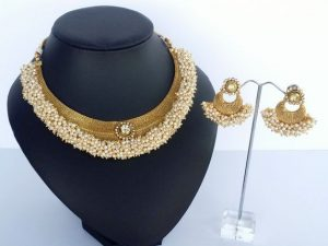 Kundan Pearl Cluster Gold Collar Necklace & Chaand Bali Earrings