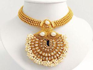 Large Peacock Detailed Pearl Embellished Attigai & Matching Large Jhumkas