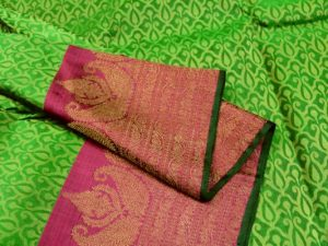 Parrot Green & Jewel Pink Handloom Pure Kanchipuram Silk Saree