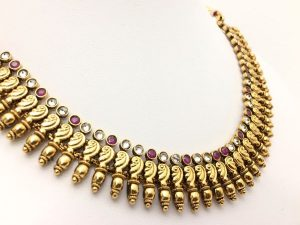 Scroll Detailed Necklace with Matching Jhumkas