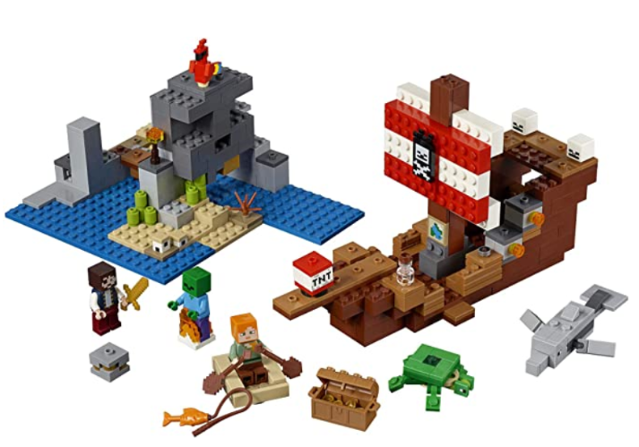 LEGO Minecraft The Pirate Ship Adventure 21152 Building Kit