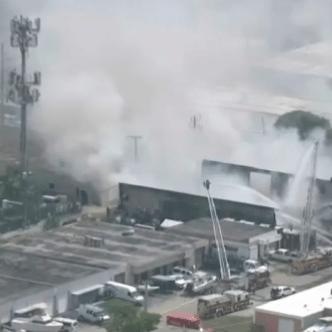 Firefighters Battle Large Blaze at Oakland Park Business