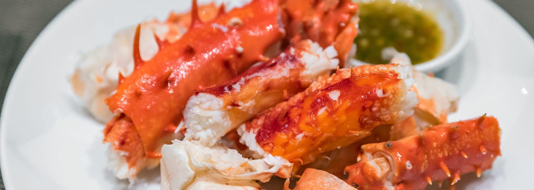 Crab Cakes with Horseradish Cream