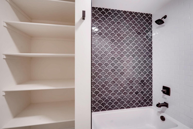 4901 Meade St Denver CO 80221-large-026-030-2nd Floor Bathroom-1500×999-72dpi