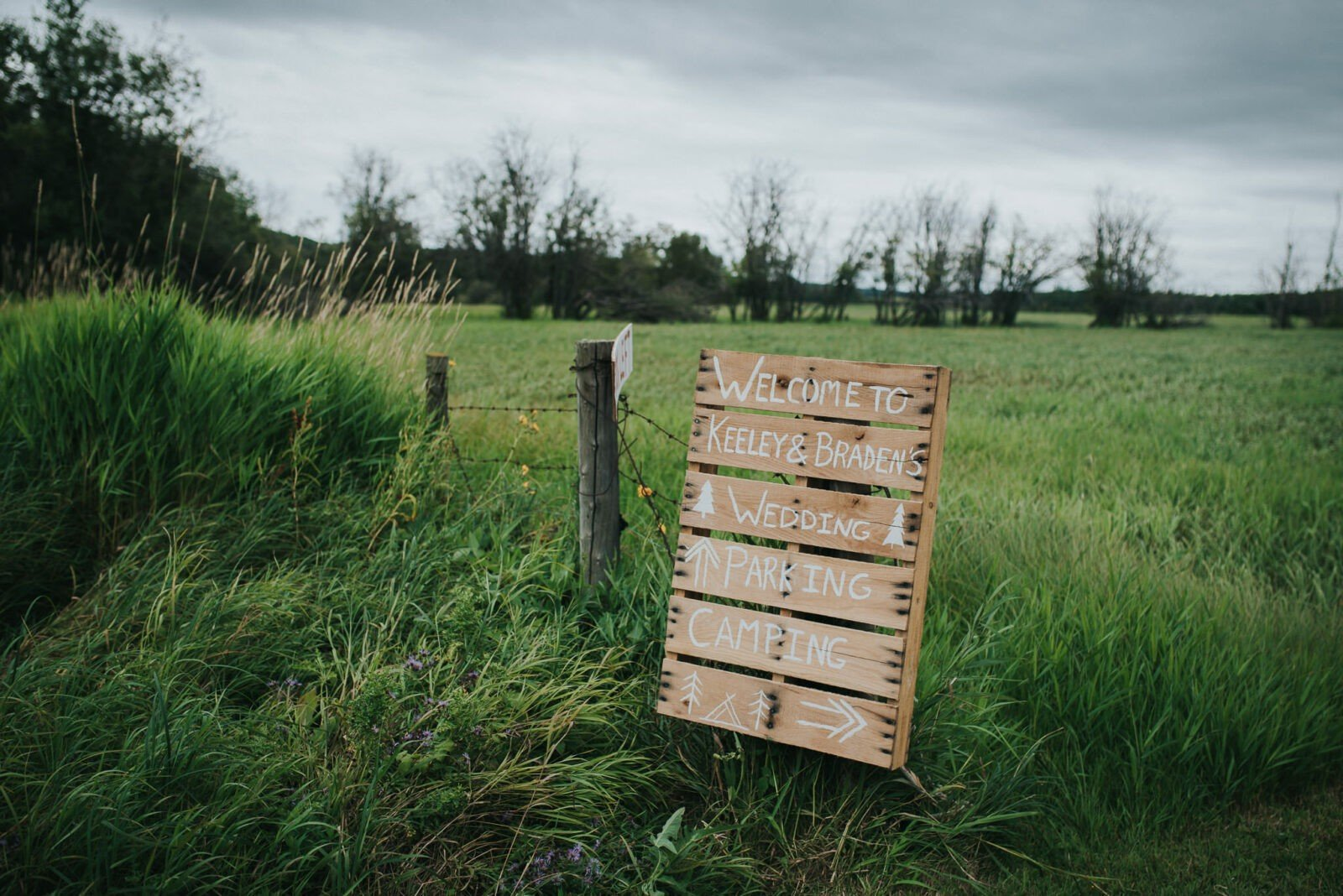Entrance sign for woodland wedding