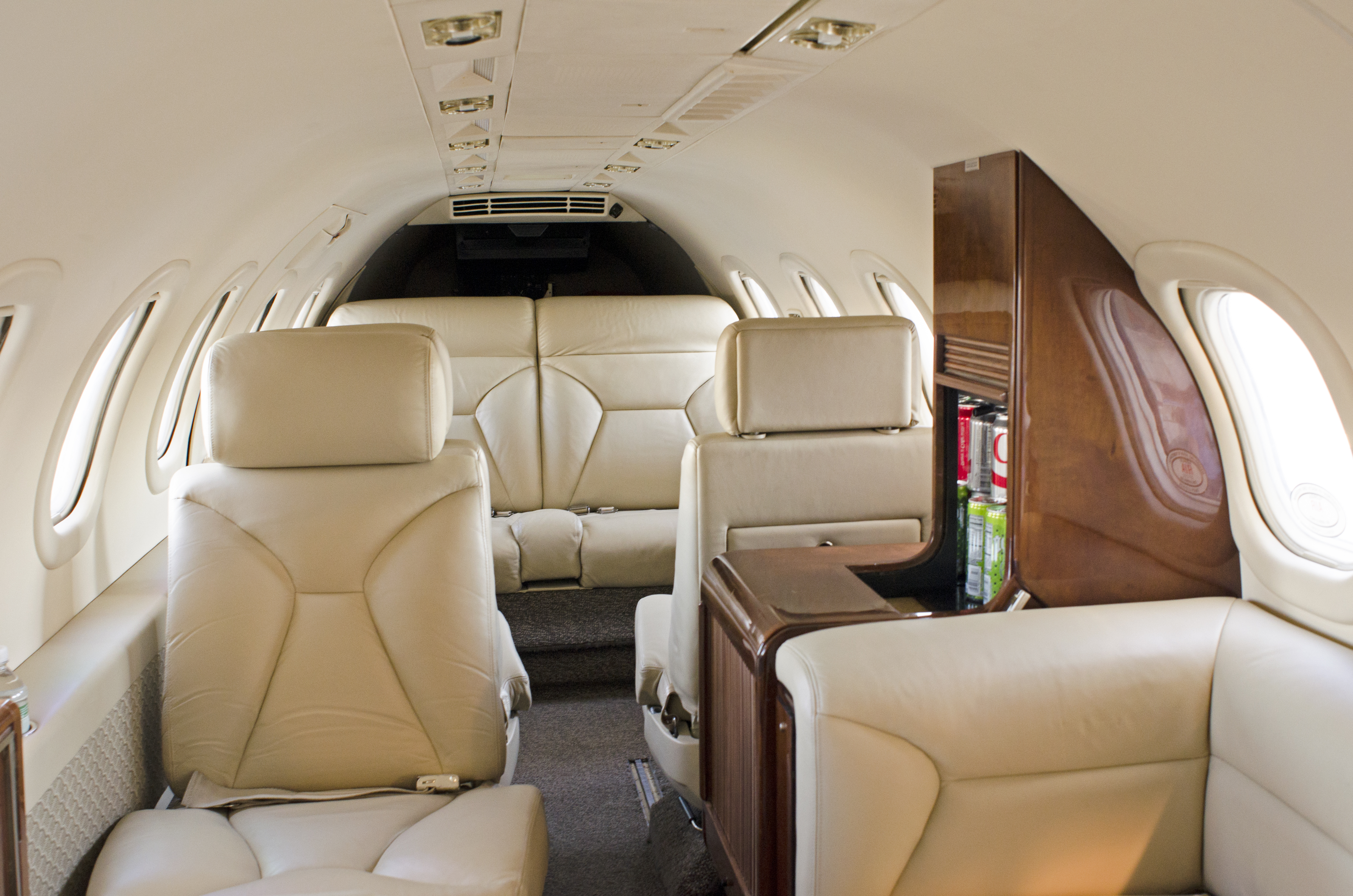 Lear 35-2 Interior Aft