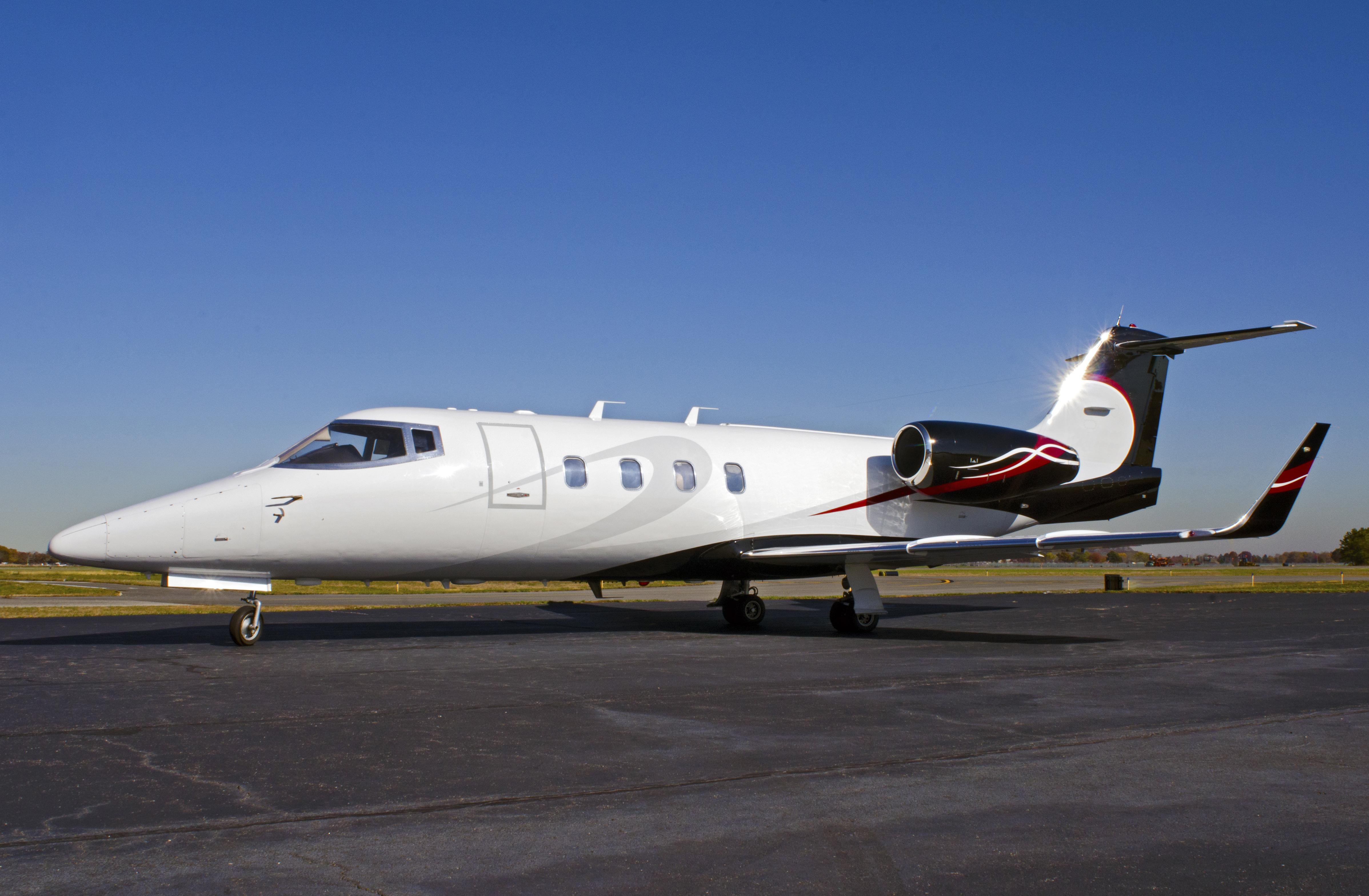 Lear 55-2 Exterior (1)