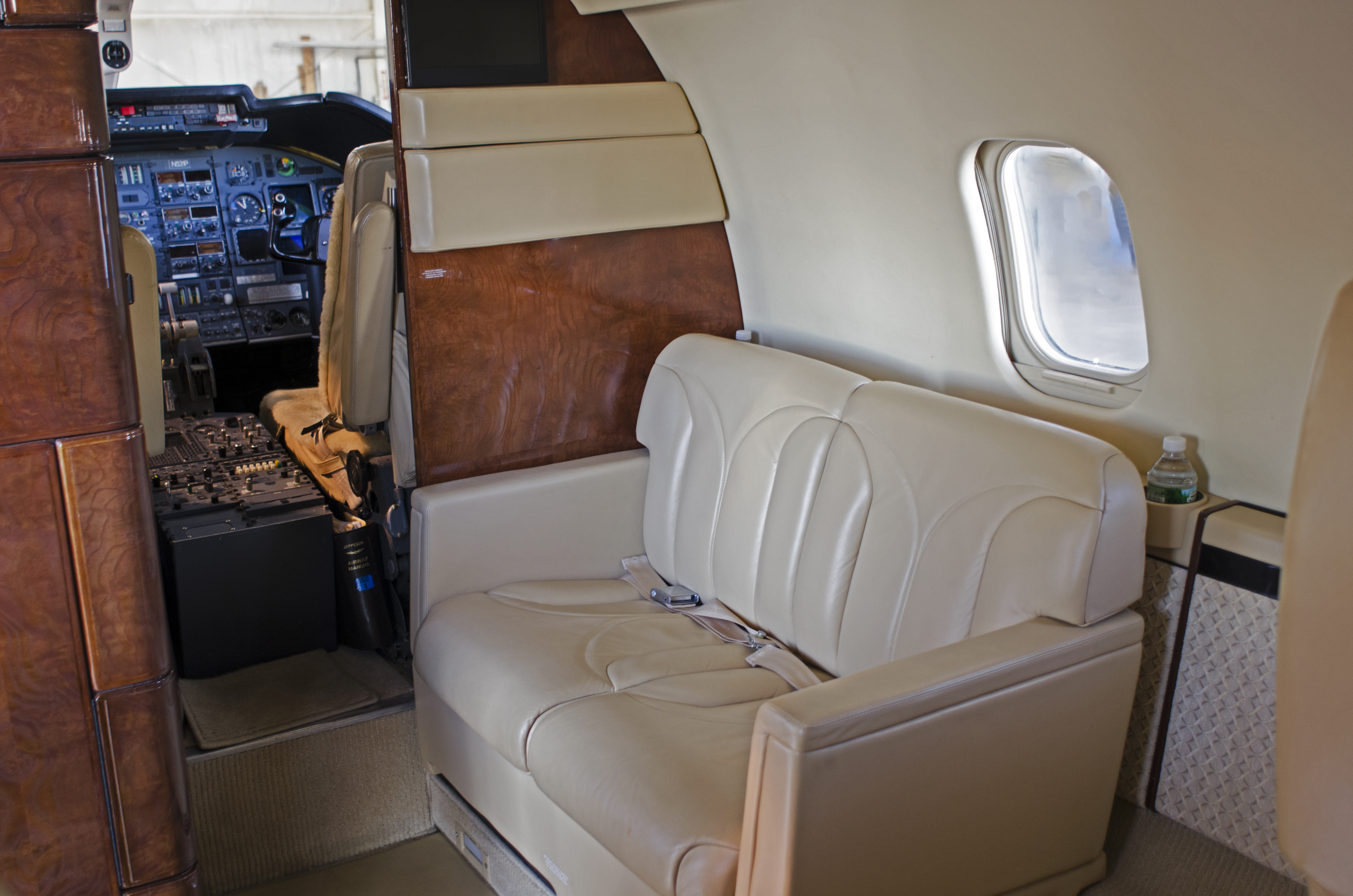 Lear 55-2 Interior Divan