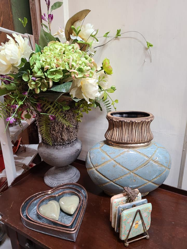 vases and figurines
