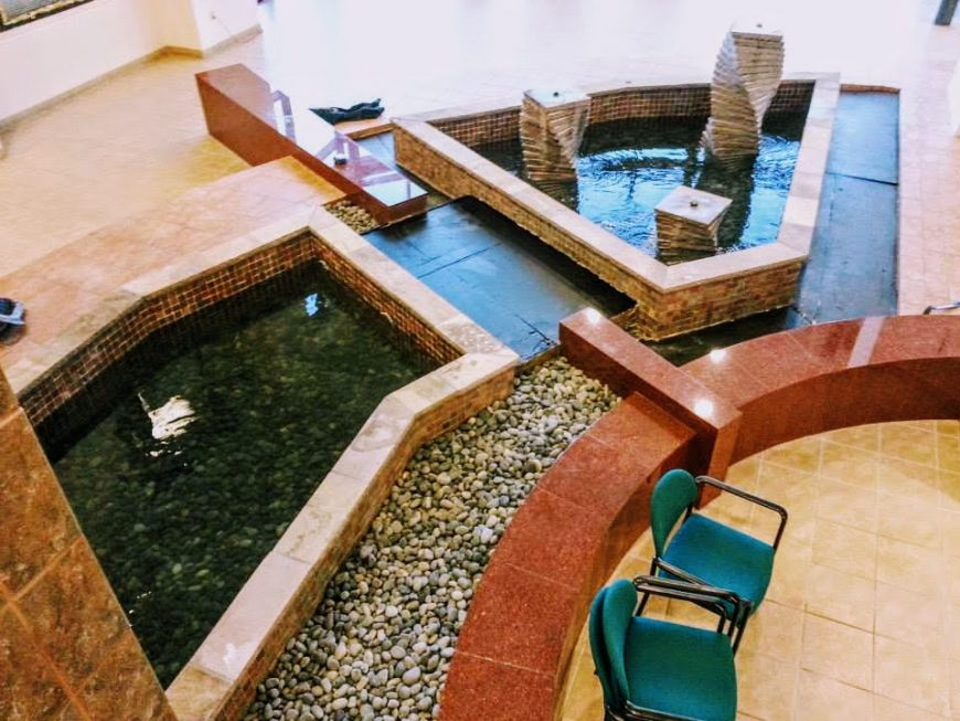 business-lobby-water-feature