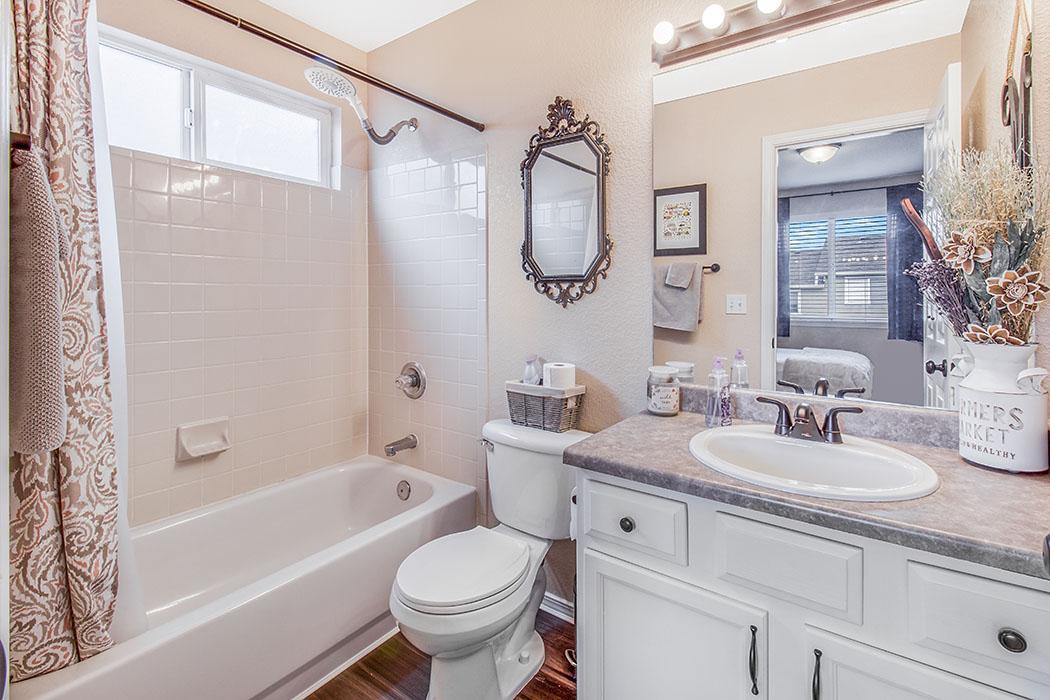 Fountain real estate photo