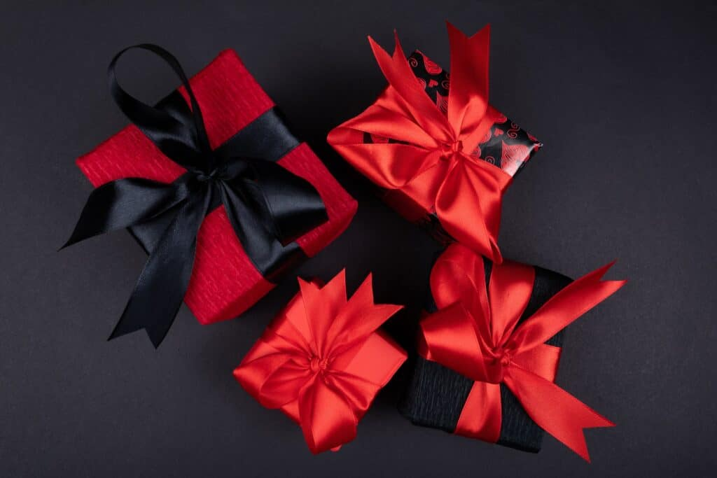 well-wrapped valentine's gifts
