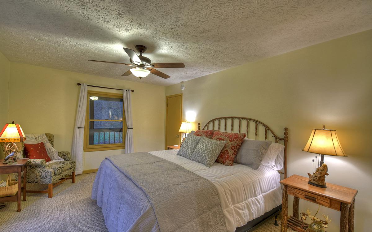 bluebird cabin bedroom 2