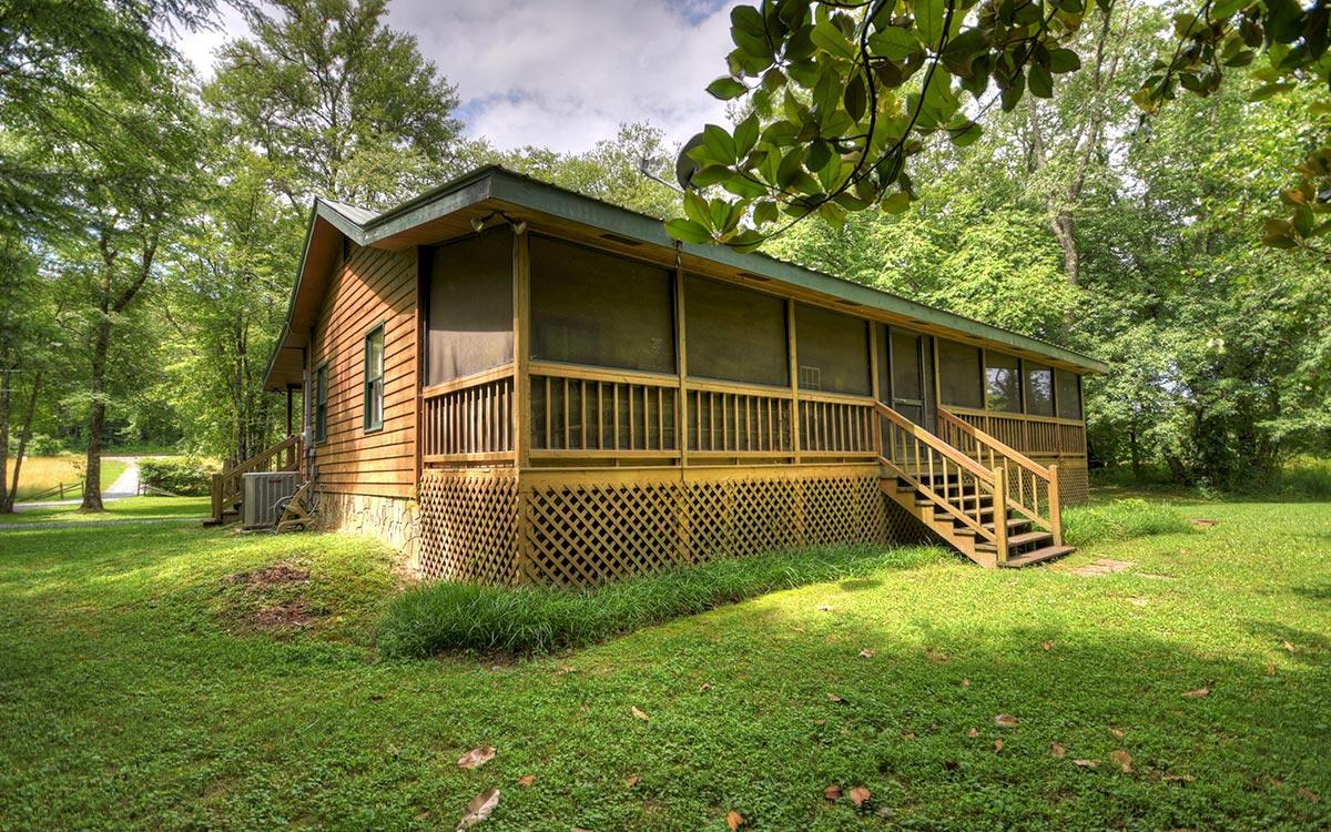 bluebird cabin exterior 4