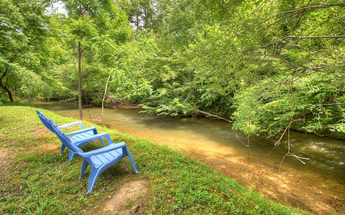 bluebird cabin outdoor living 1