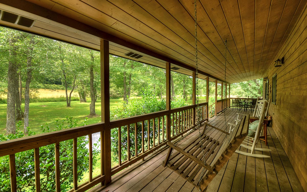 bluebird cabin outdoor living 3