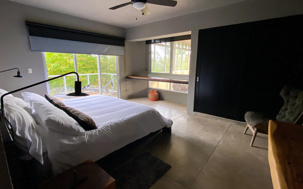 casa de las olas encuentro master bedroom 2
