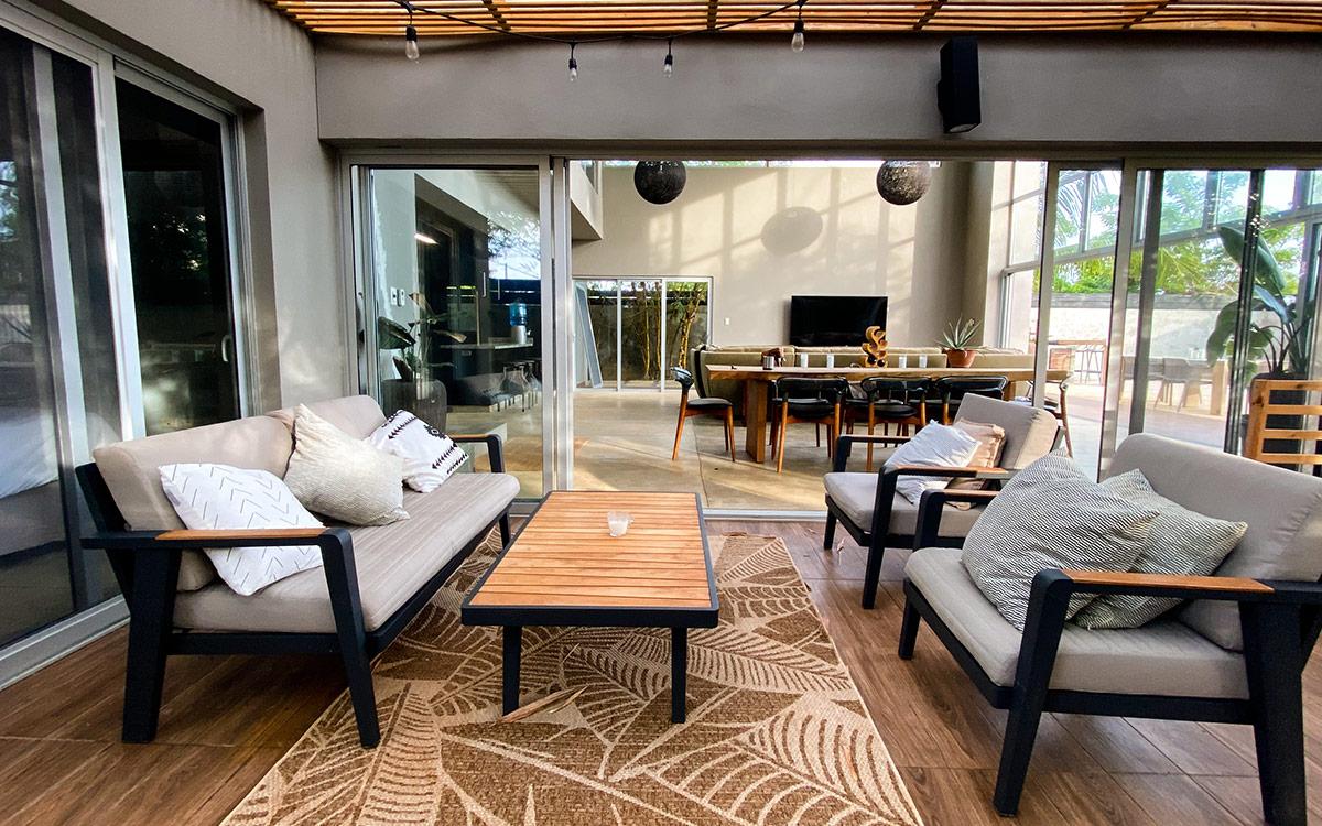 casa de las olas outdoor lounge