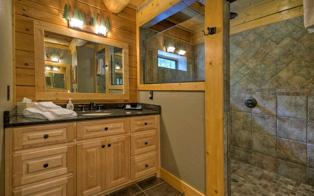 lake buckhorn lodge bathroom 1