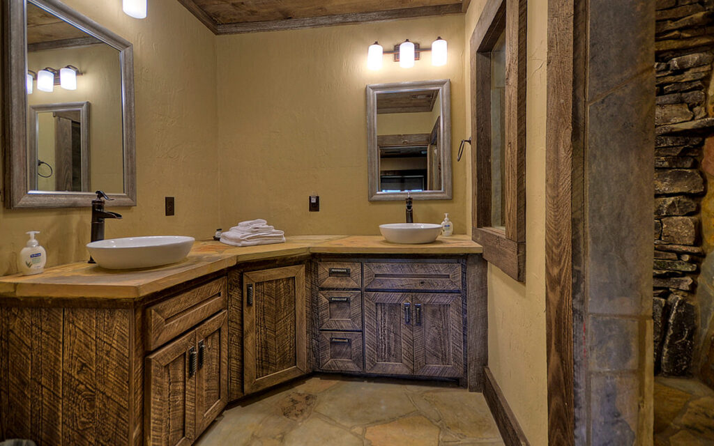 lake buckhorn lodge bathroom 2