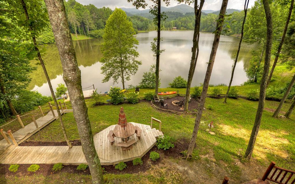 outdoor-living-lake-buckhorn-patio