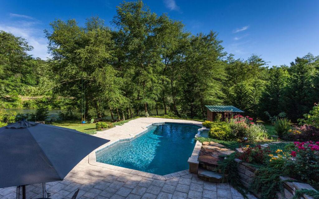 toccoa river house pool