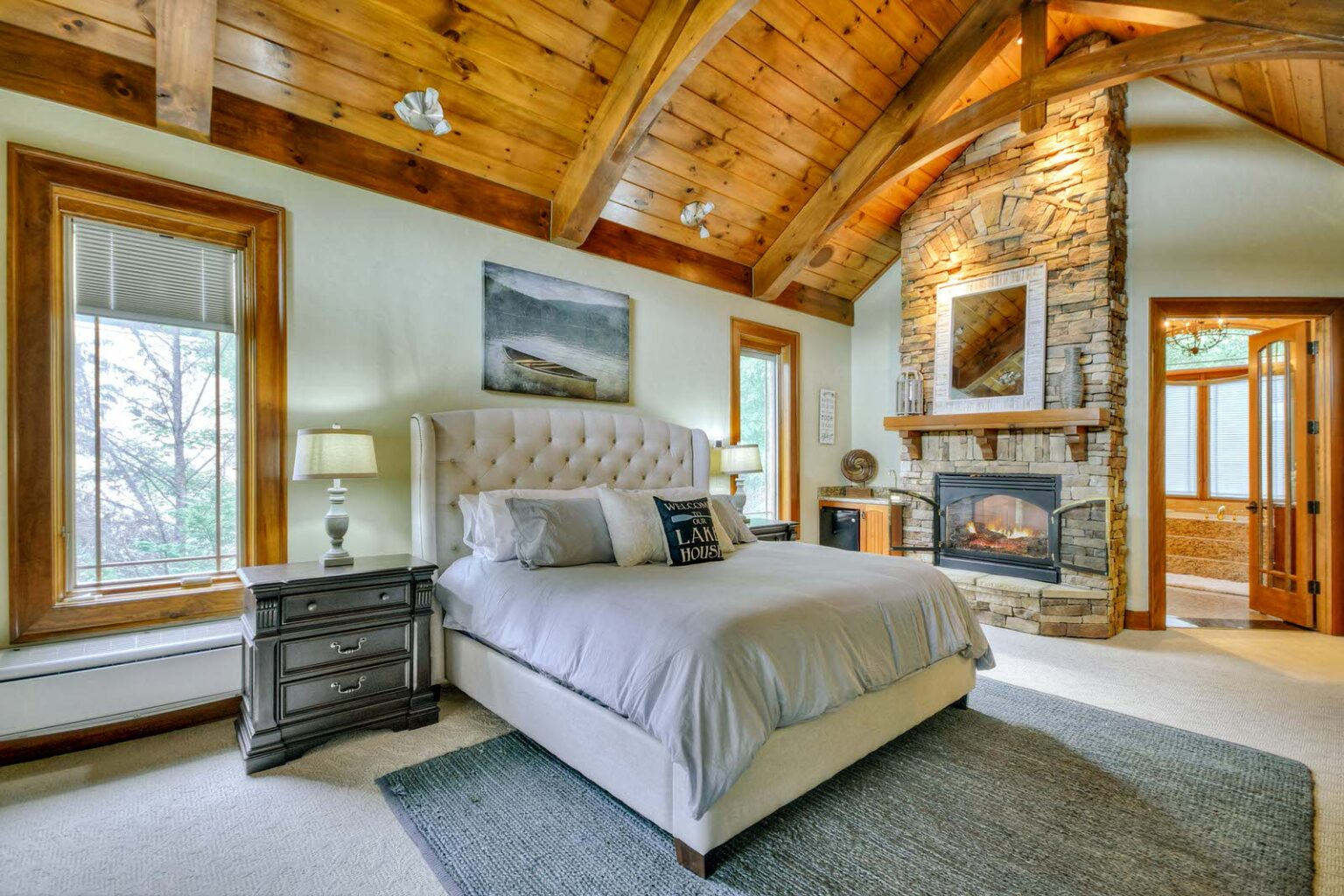 mountain mansion master bed 2