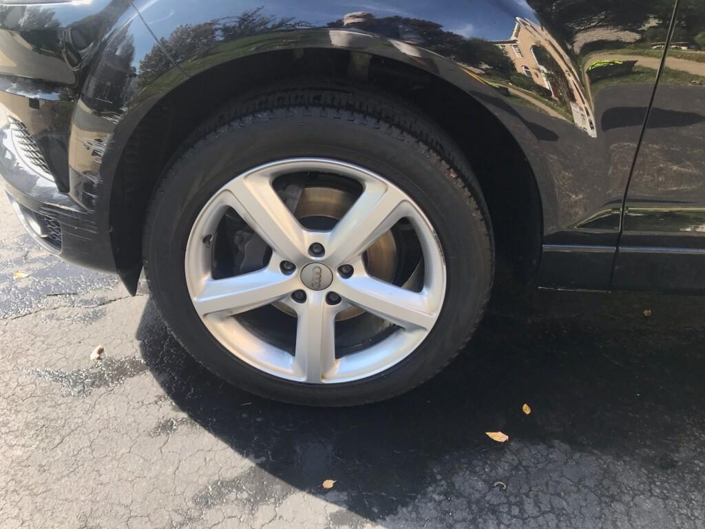Audi Q7 Wheel clean