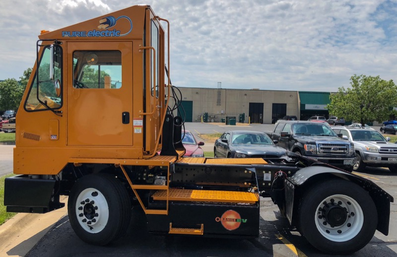 Orange EV Pure Electric Terminal Truck 2c