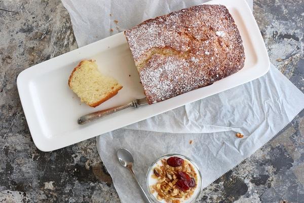 עוגת וניל בחושה וקלה להכנה-מתכון מושלם - EshetStyle בלוג אוכל ואירוח (צילום: טליה הדר)