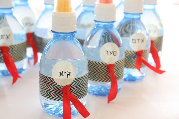 בקבוקים ממותגים ליום הולדת (צילום: טליה הדר) הבלוג EshetStyle אשת סטייל