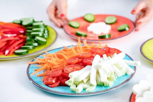 כלי מלמין צבעוניים פרקטיים למבוגרים ולידלים_טליה הדר מהבלוג אשת סטייל_Fox home