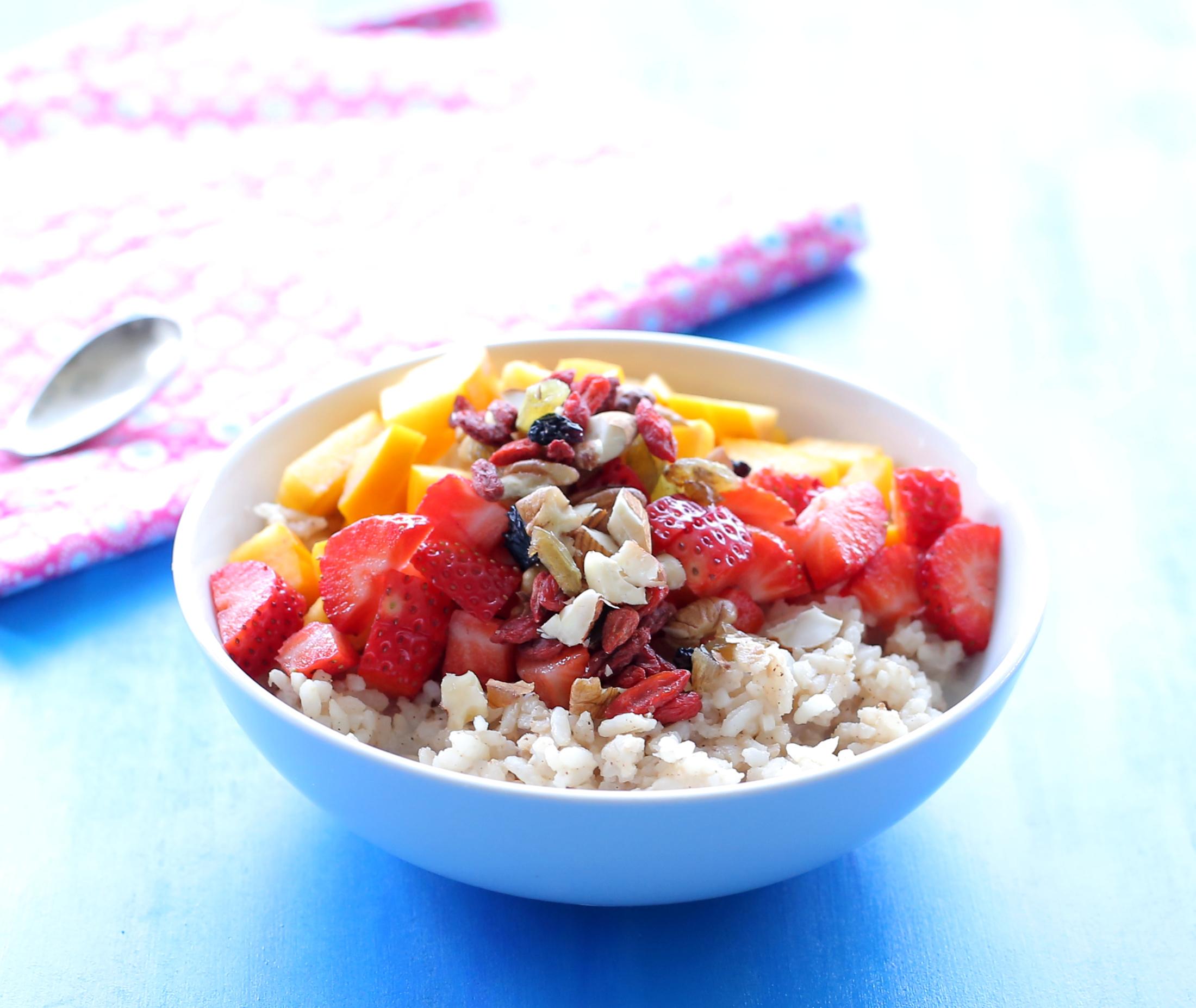 מוזלי אורז_אורז מתוק עם פירות_ארוחת בוקר מושלמת_צילום ומתכון: טליה הדר אשת סטייל