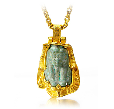A Gold and Hardstone Faience Pendant Necklace