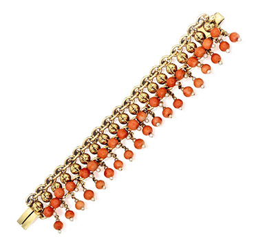 An Antique Coral and Gold Bracelet