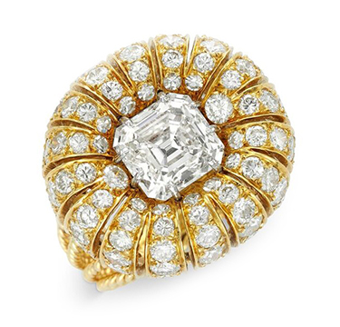 A Gold and Diamond Ring, centering upon a rectangular-cut diamond, weighing 2.75 carats, by Van Cleef & Arpels
