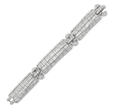 An Art Deco Diamond Bracelet, circa 1930