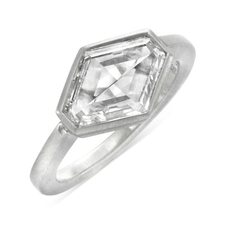 A Hexagonal-cut Diamond Ring, of 3.00 carats