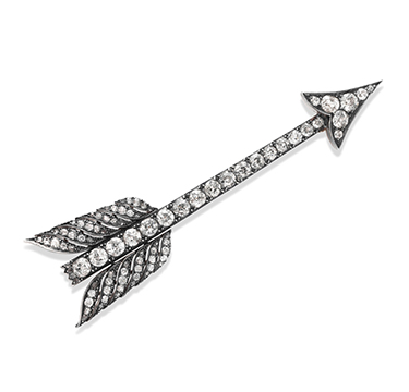 An Antique Diamond Arrow Brooch