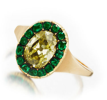 A Georgian Colored Diamond And Emerald Ring, Circa 1800