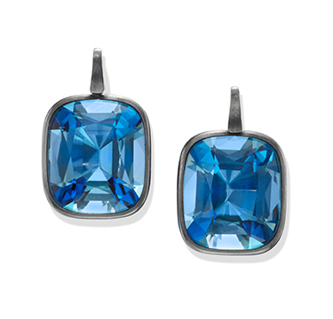 A Pair of Aquamarine Ear Pendants, weighing 25.21 and 25.59 carats